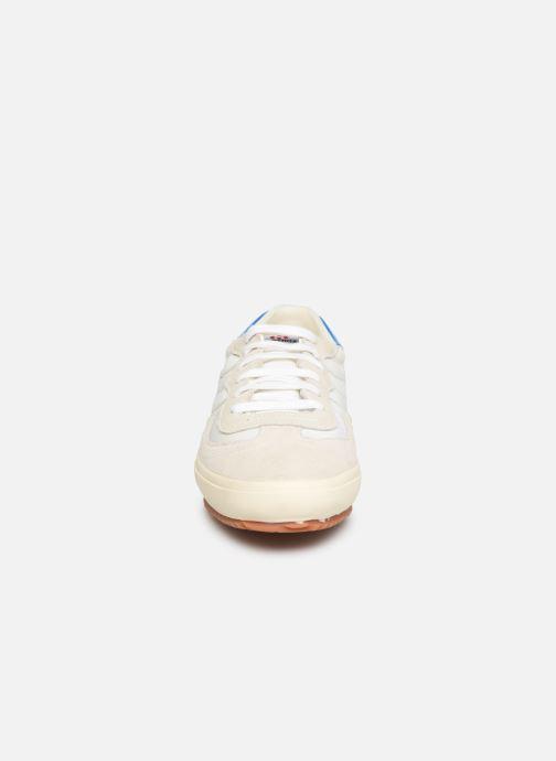 Sneakers Superga 2832 Nylu Bianco modello indossato