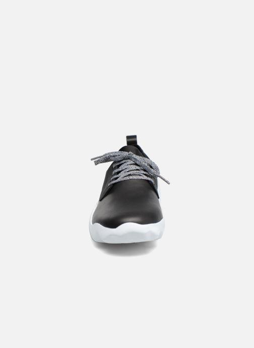 Sneakers Camper DUB0 K100041 Nero modello indossato