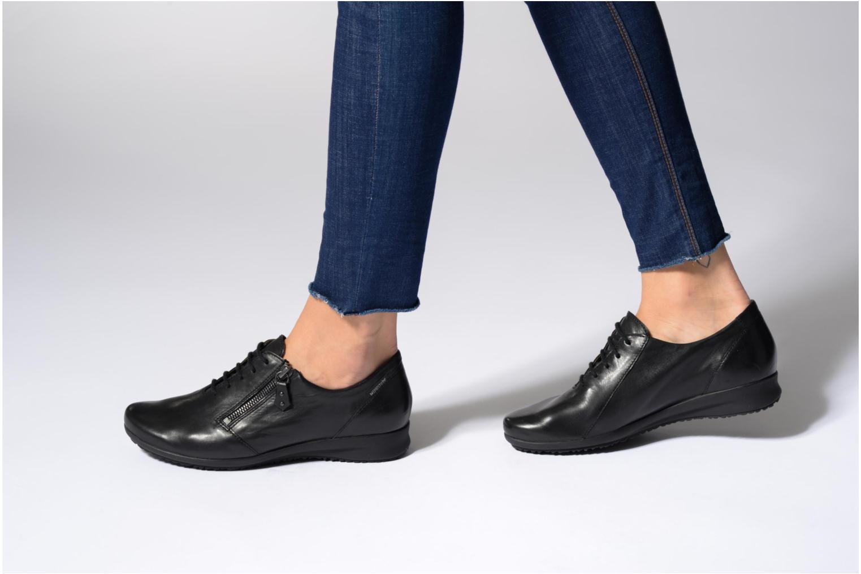 Chaussures à lacets Mephisto Fatima Noir vue bas / vue portée sac