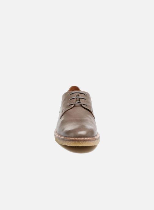 Zapatos con cordones Mephisto Fany Marrón vista del modelo