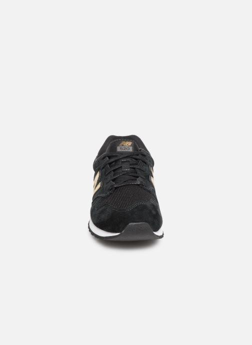 Baskets New Balance WL520 Noir vue portées chaussures