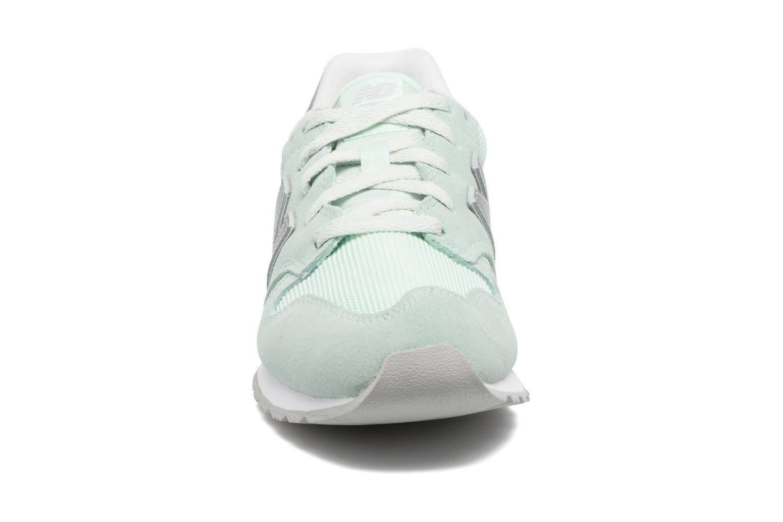 Baskets New Balance WL520 Vert vue portées chaussures