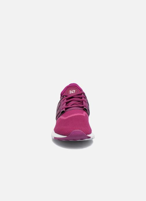 Baskets New Balance WRL247 Violet vue portées chaussures