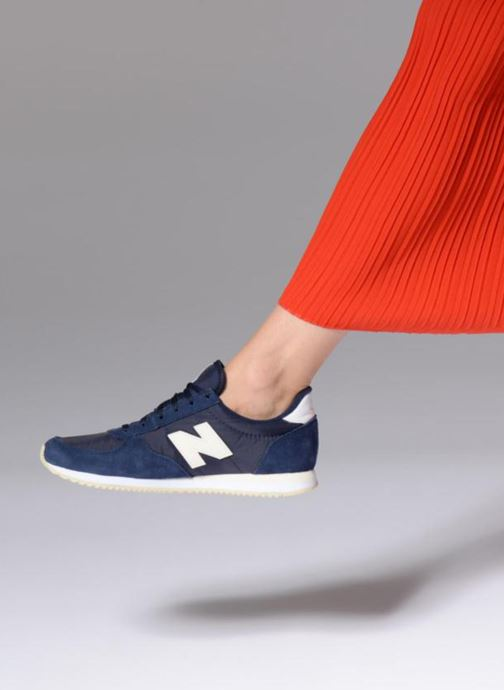 Trainers New Balance WL220 Blue view from underneath / model view