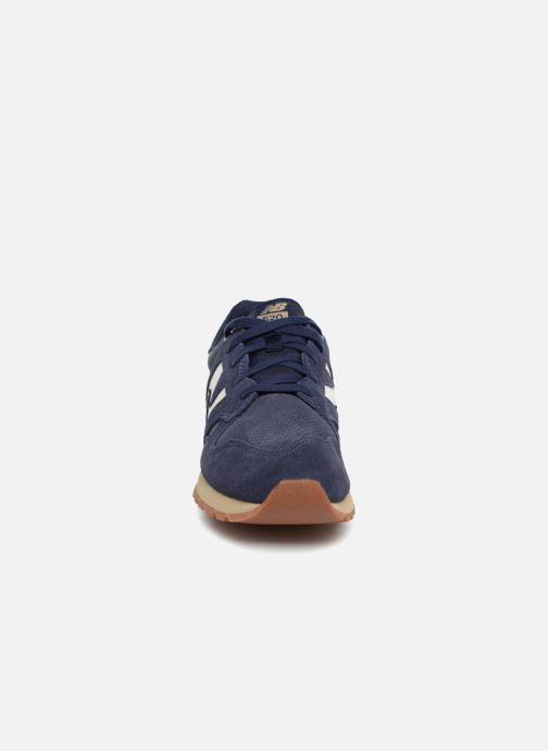 Baskets New Balance U520 Bleu vue portées chaussures