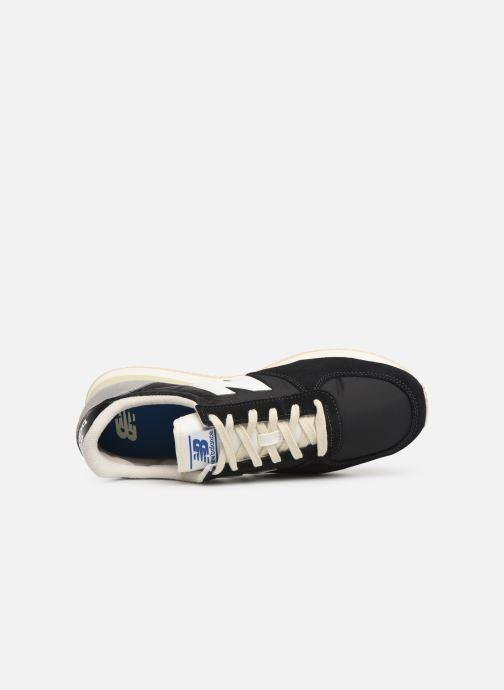 Sneakers New Balance U220 Zwart links