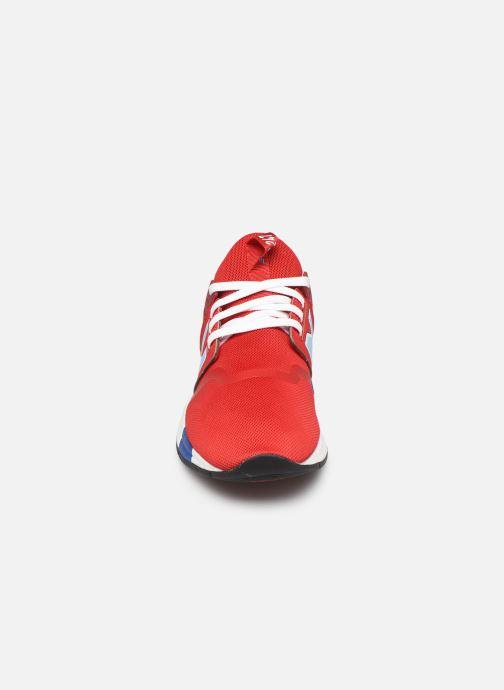 Baskets New Balance MRL247 Rouge vue portées chaussures