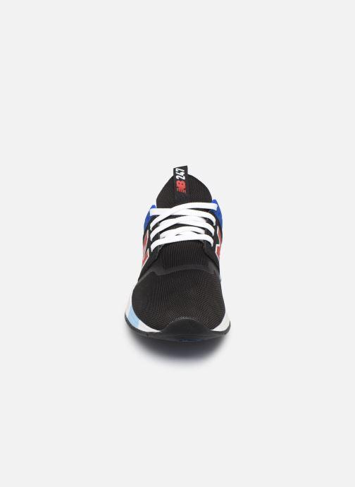 Sneakers New Balance MRL247 Nero modello indossato