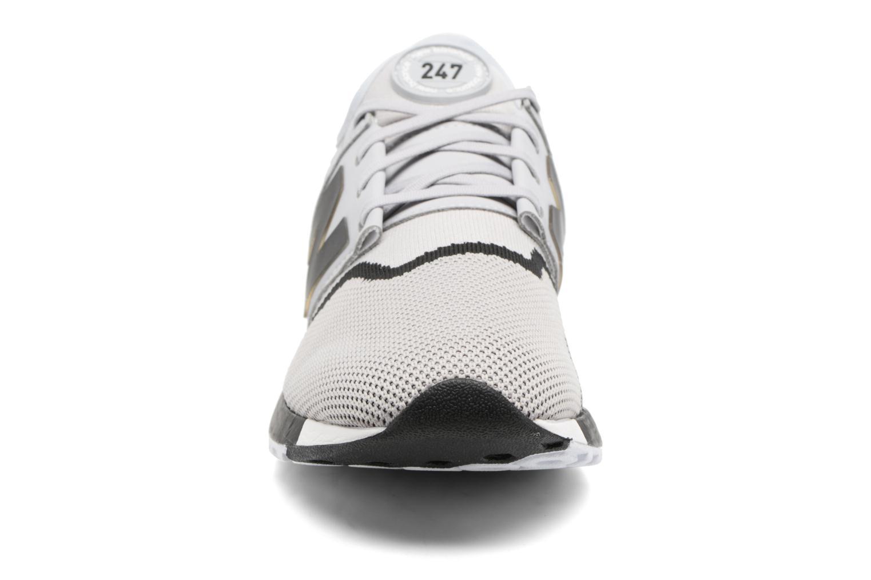 Sneakers New Balance MRL247 Grigio modello indossato