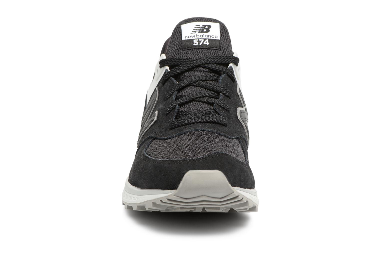 Sneakers New Balance MS574 Nero modello indossato