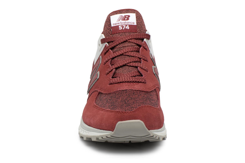 Sneakers New Balance MS574 Rosso modello indossato