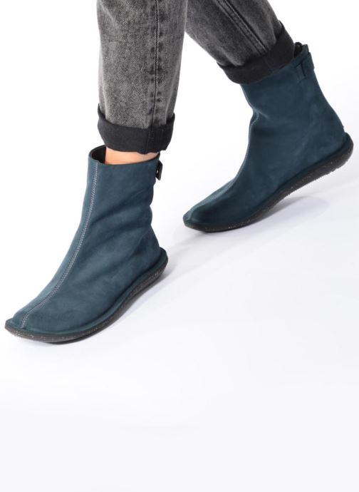 Ankle boots Camper Betle K400010 Black view from underneath / model view