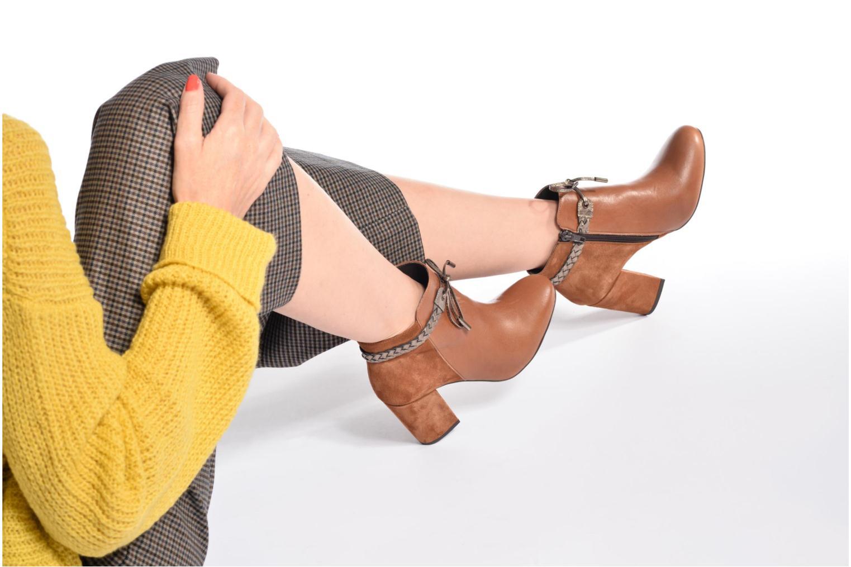Bottines et boots Georgia Rose Latressa Marron vue bas / vue portée sac