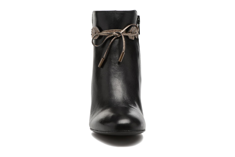 Bottines et boots Georgia Rose Latressa Noir vue portées chaussures