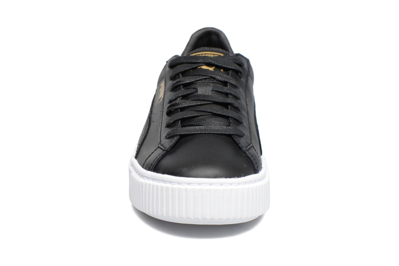 Baskets Puma Wns Basket Platf Core Noir vue portées chaussures