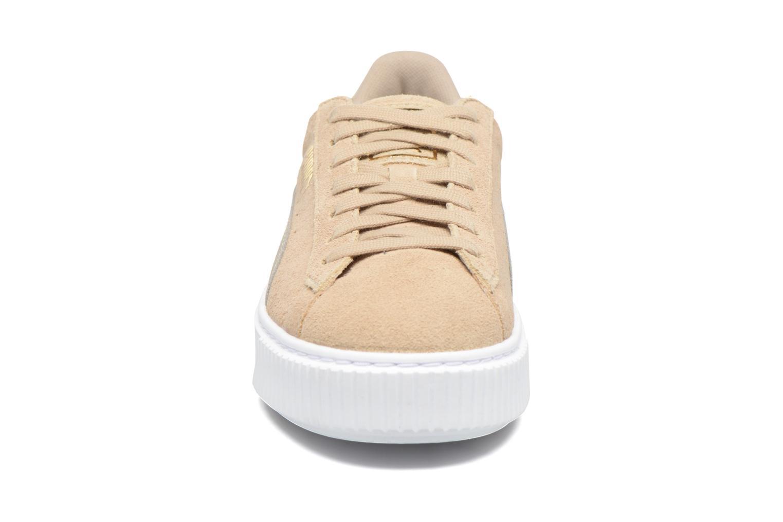 Baskets Puma Wns Basket Platform Safa Beige vue portées chaussures