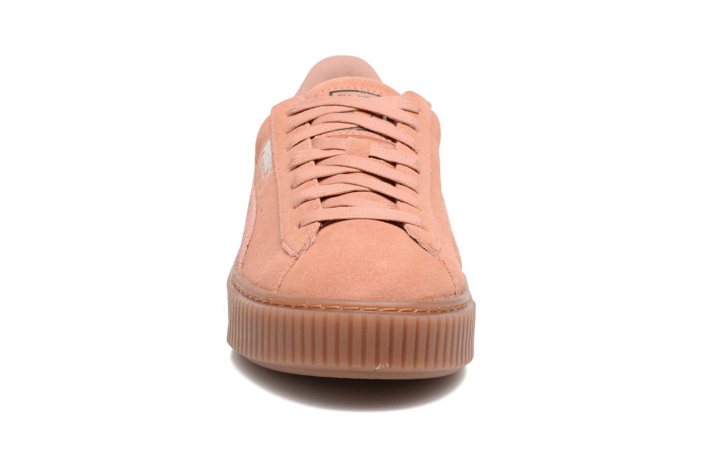 Sneakers Puma Wns Suede Platform Gum.Cam Rosa modello indossato