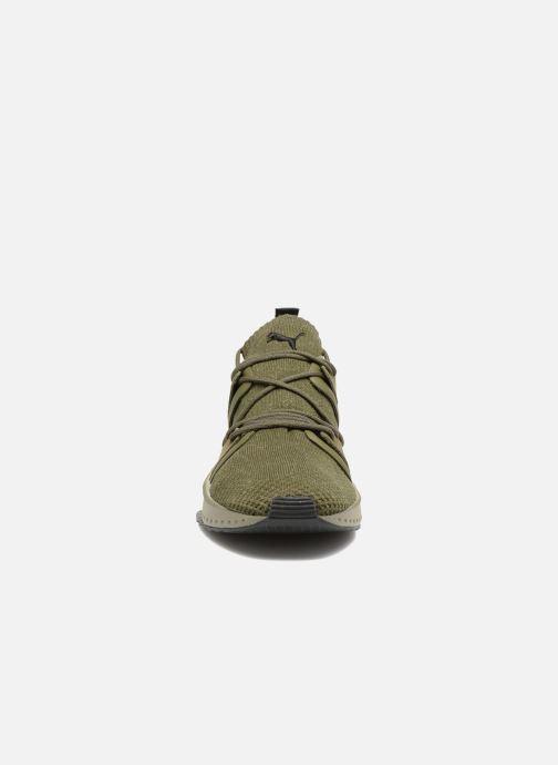 Sneakers Puma Tsugi Blaze Evoknit Verde modello indossato