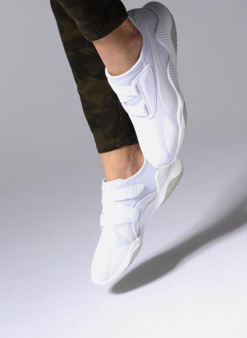 Baskets Puma Mostro Mesh W Blanc vue bas / vue portée sac