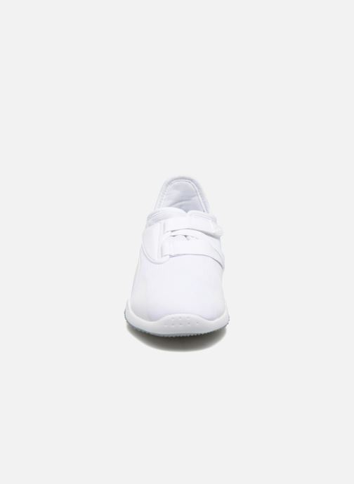 Baskets Puma Mostro Mesh W Blanc vue portées chaussures