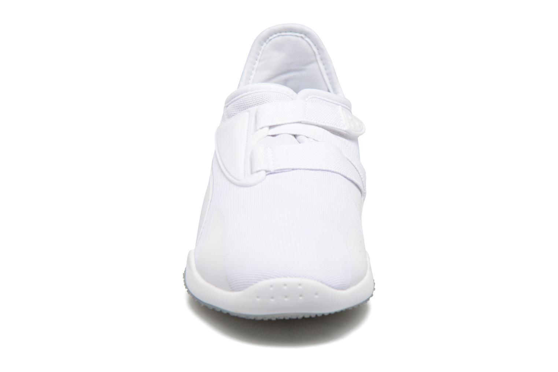 Sneakers Puma Mostro Mesh W Bianco modello indossato