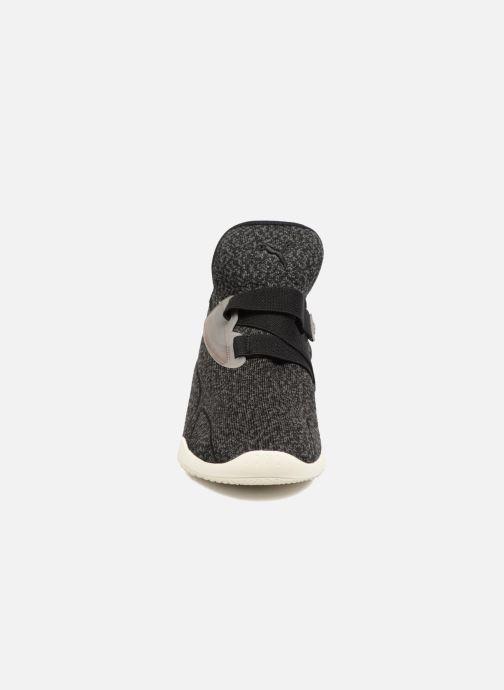 Sneakers Puma Slct Mostro Sort se skoene på