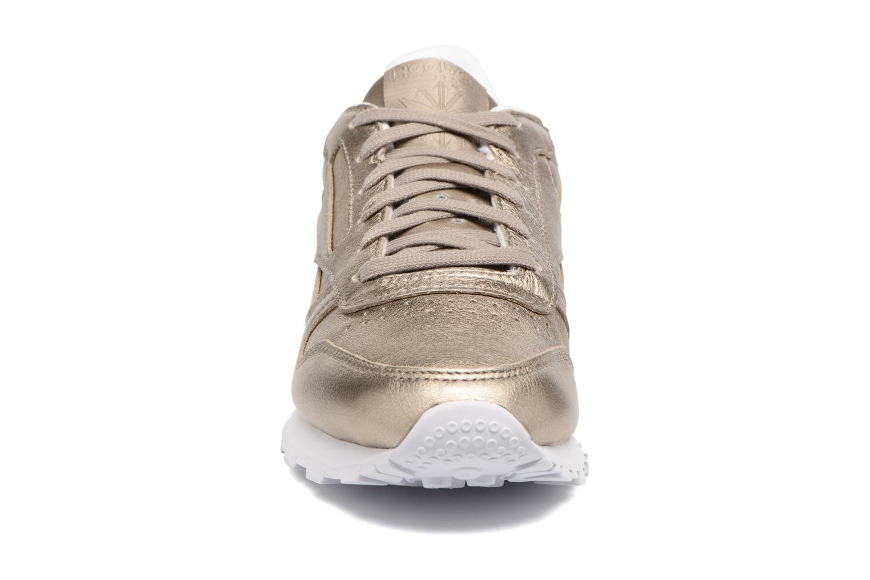 Baskets Reebok Cl Lthr Melted Meta Or et bronze vue portées chaussures