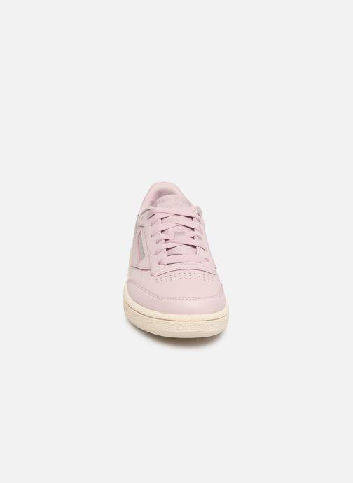 Baskets Reebok Club C 85 W Rose vue portées chaussures