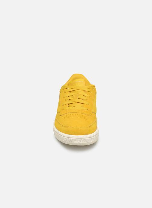 Sneaker Reebok Club C 85 W gelb schuhe getragen