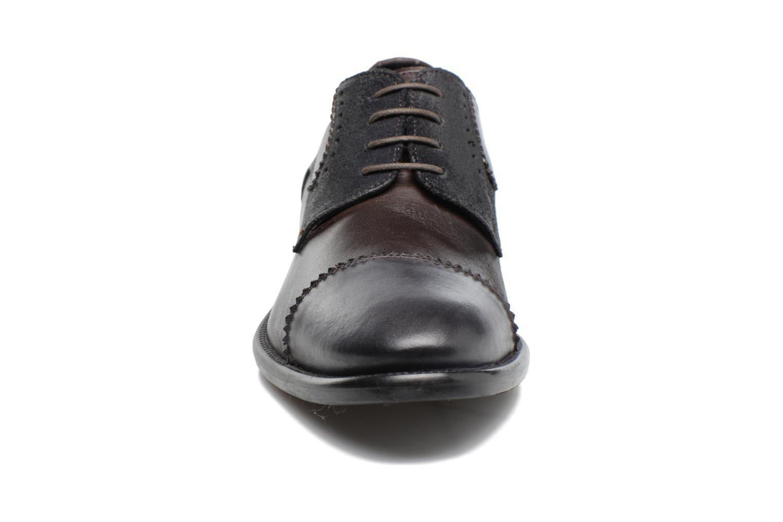 Scarpe con lacci Marvin&Co Daverton Marrone modello indossato
