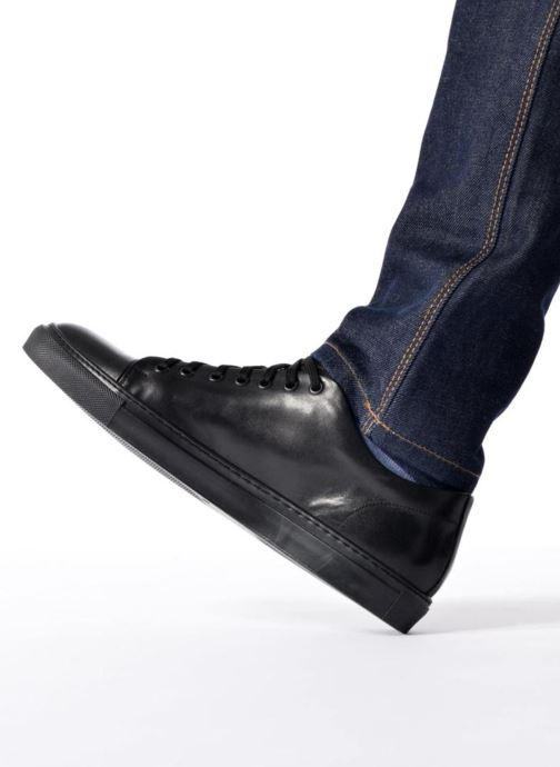 Sneaker Mr SARENZA Doubia schwarz ansicht von unten / tasche getragen
