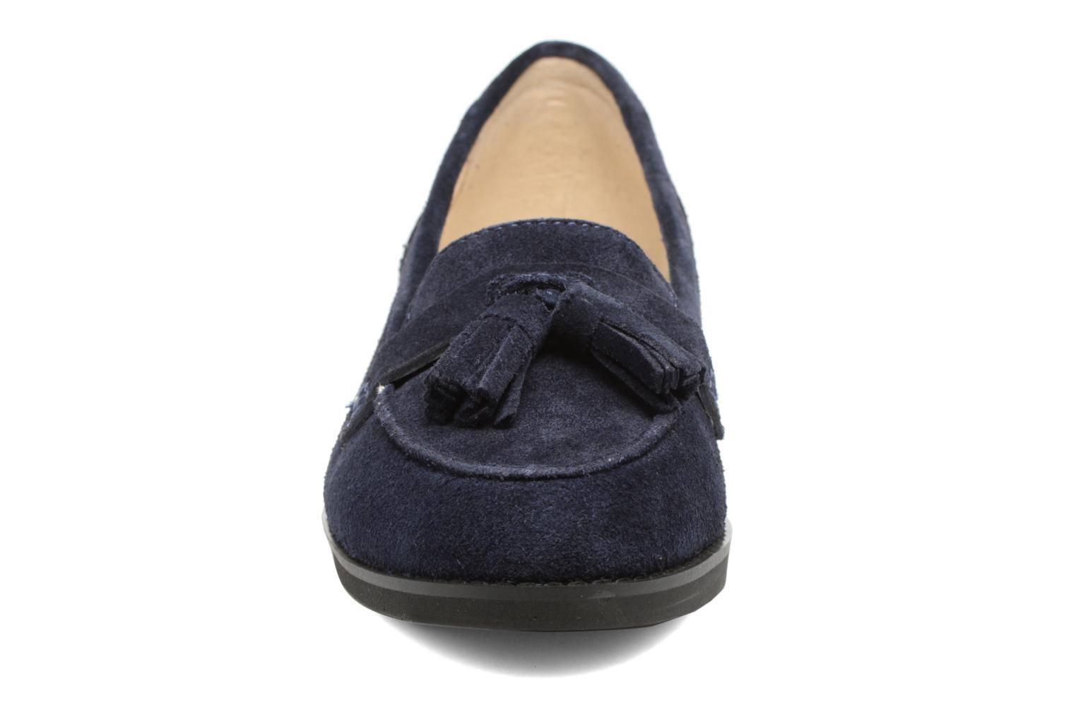 Loafers Hush Puppies Amya Blue model view