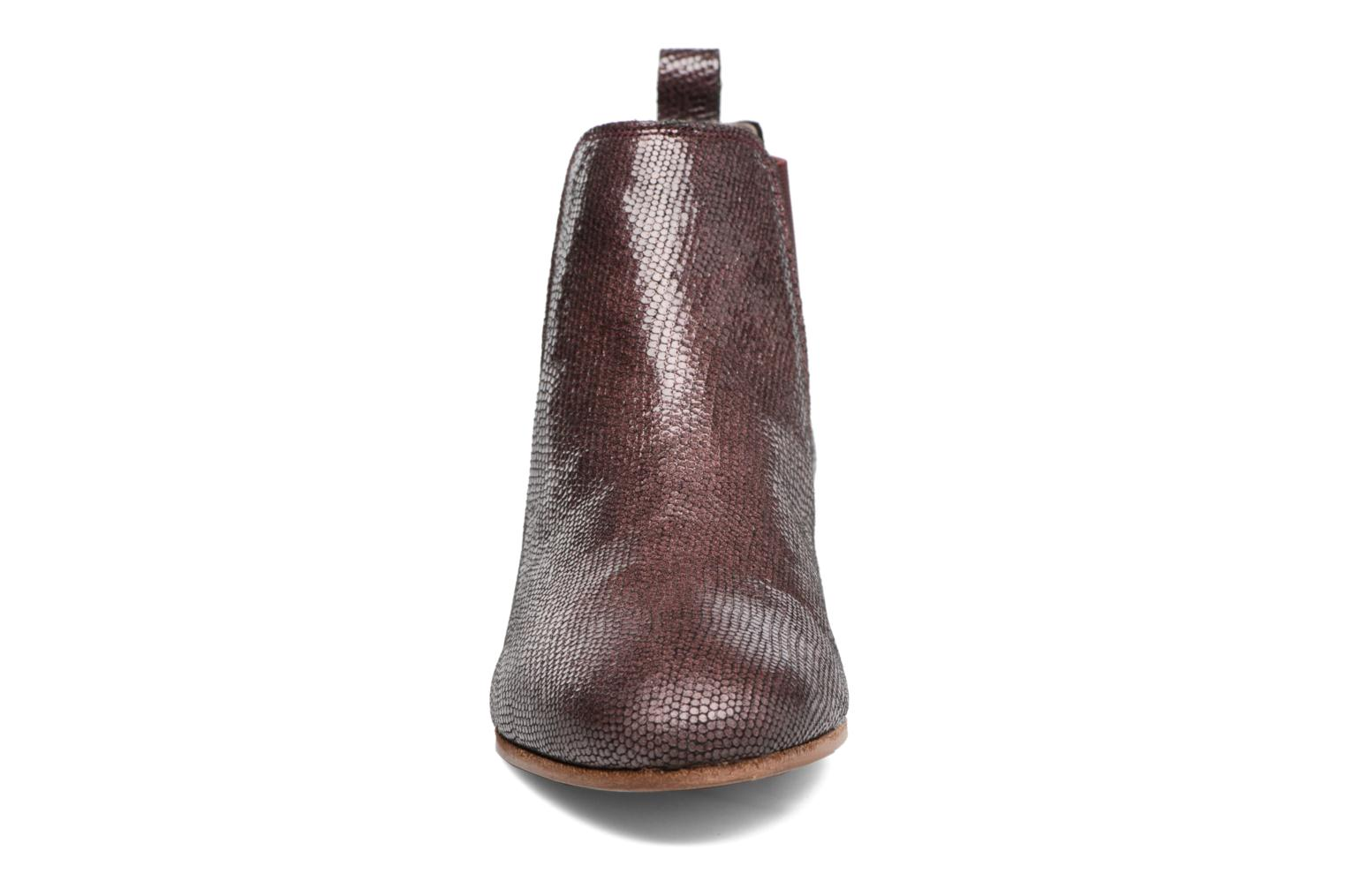 Ankle boots Bensimon Boots Chelsea Burgundy model view