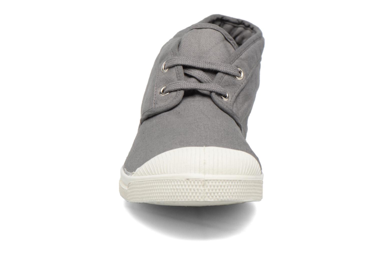 Sneakers Bensimon Newnils H Grigio modello indossato