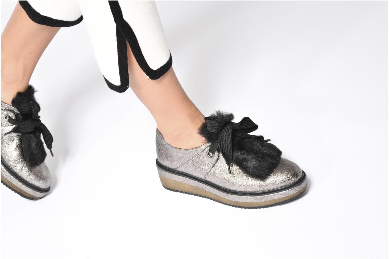 Chaussures à lacets Tamaris Melania Argent vue bas / vue portée sac