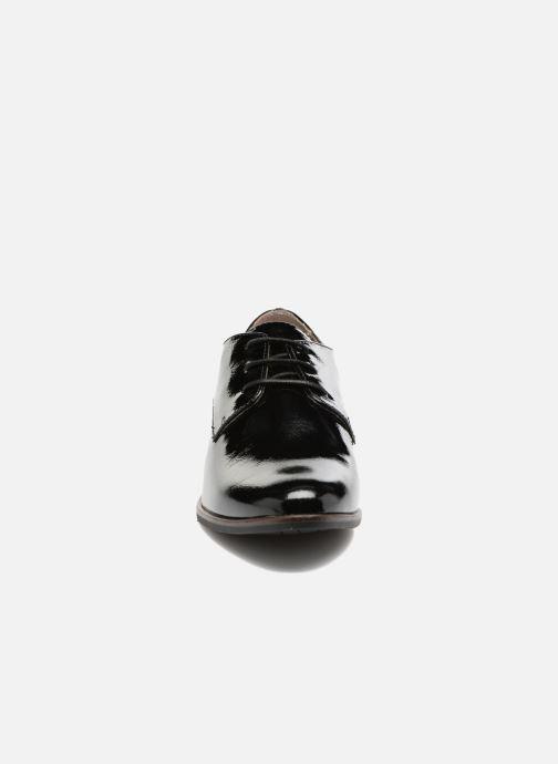 Lace-up shoes Tamaris Caraway Black model view