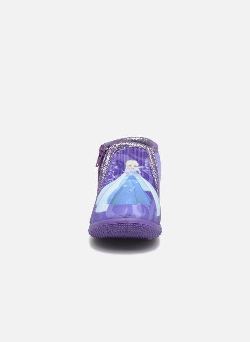Pantofole Frozen Scordia Viola modello indossato
