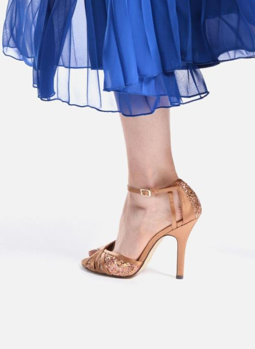 High heels Menbur Purcell Brown view from underneath / model view
