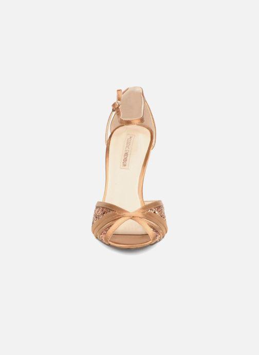 Escarpins Menbur Purcell Marron vue portées chaussures