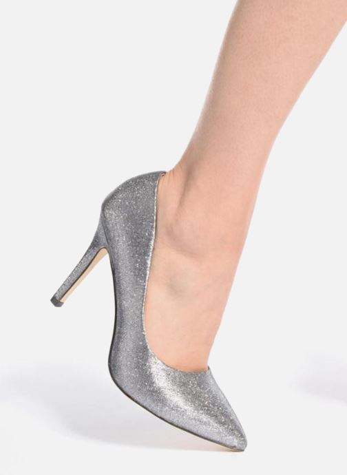 High heels Menbur Servier Silver view from underneath / model view