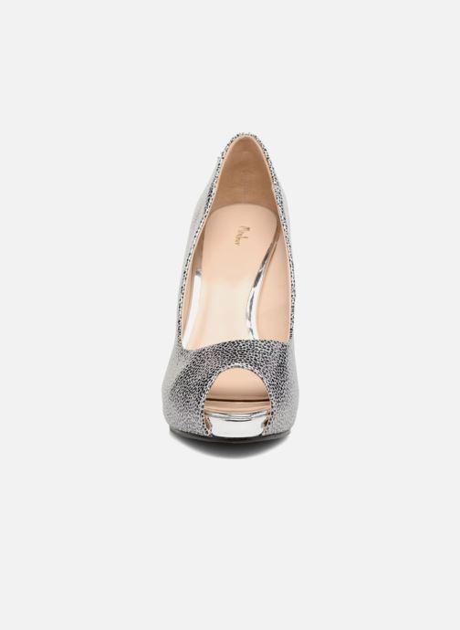 Zapatos de tacón Menbur Tietar Plateado vista del modelo