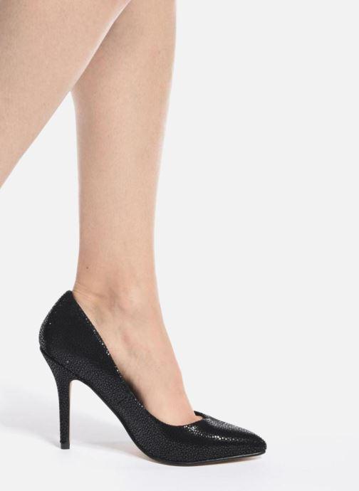 High heels Menbur Albergue Black view from underneath / model view