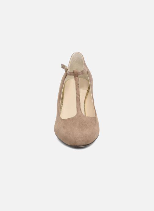 Escarpins Menbur Buren Beige vue portées chaussures