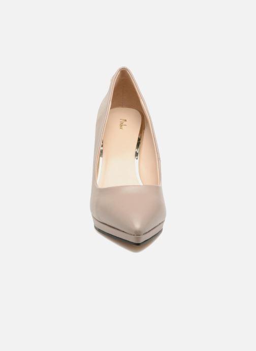 Zapatos de tacón Menbur Gela Gris vista del modelo