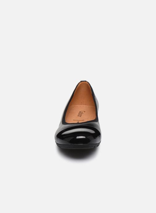 Ballerines Gabor Emmi Noir vue portées chaussures
