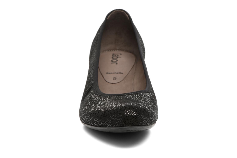 Zapatos de tacón Gabor Mila Negro vista del modelo