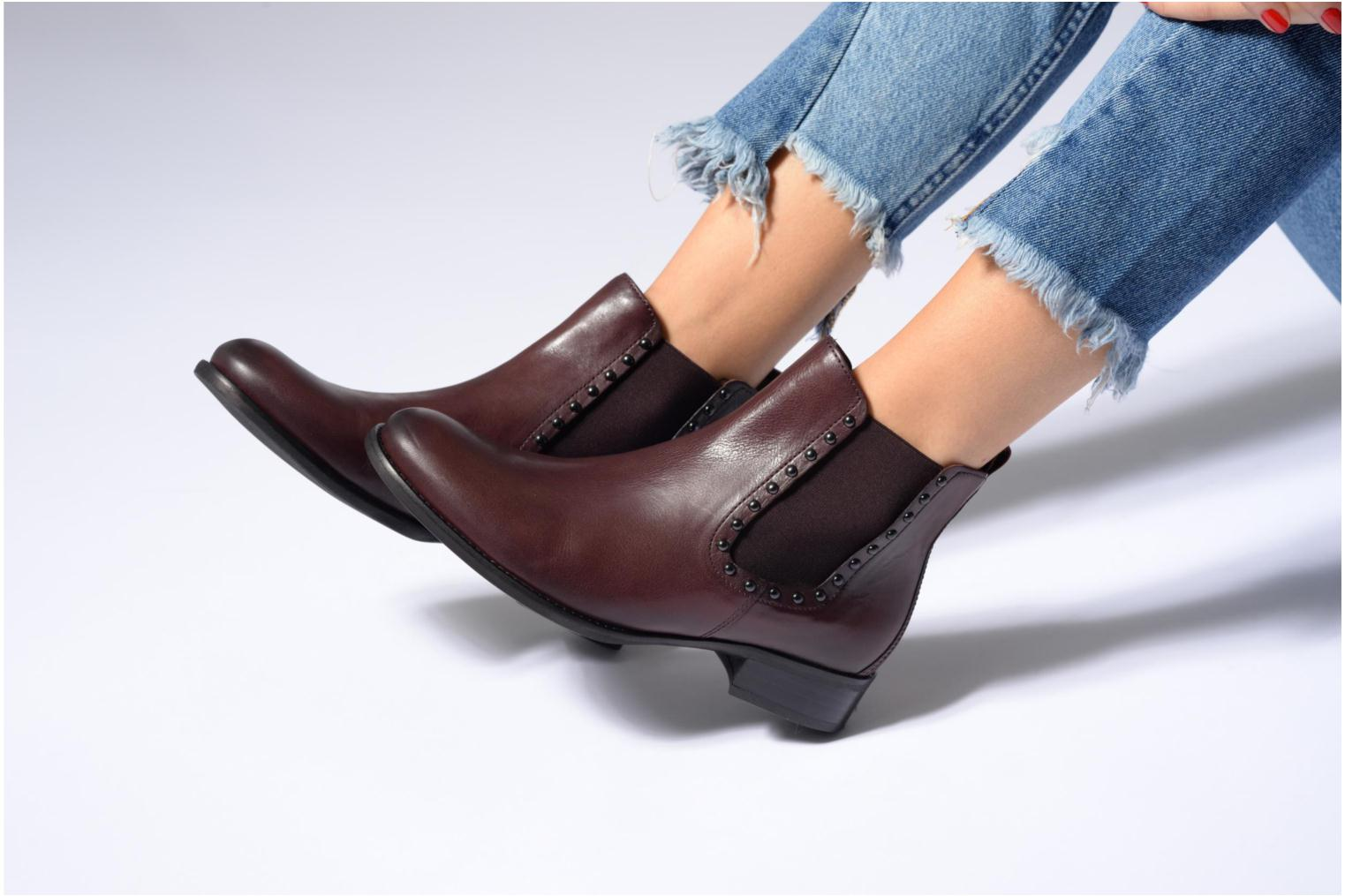 Ankle boots Gabor Angy Burgundy view from underneath / model view