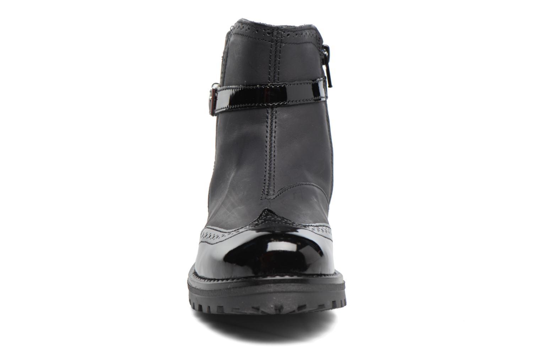 Stiefel Melania TRONCHETTO FIBBIA schwarz schuhe getragen