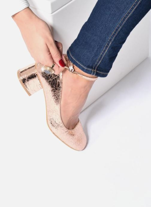Ballet pumps I Love Shoes CAMILLA Bronze and Gold view from underneath / model view