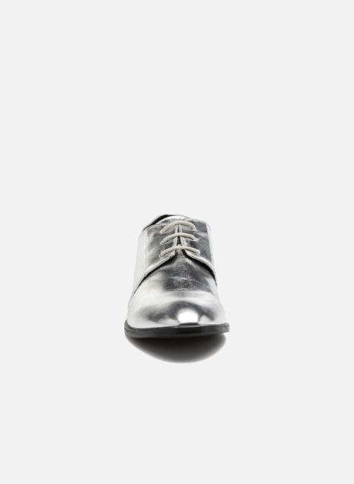 Scarpe con lacci I Love Shoes CLEMIA Argento modello indossato